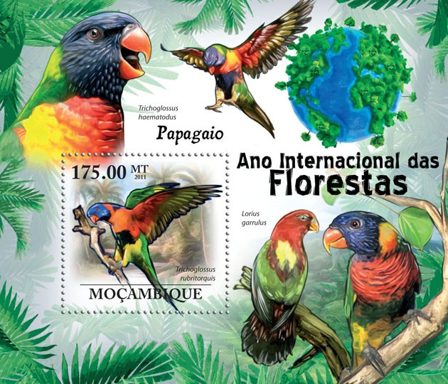 Parrots, (Trichoglossus rubritorguis). - Issue of Mozambique postage Stamps