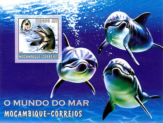 Dolphins  110000 MT  S/S - Issue of Mozambique postage Stamps